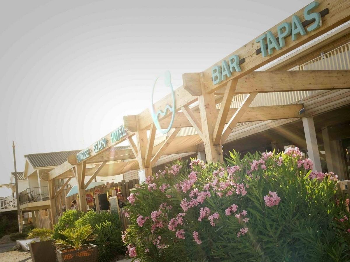 Sunrise Beach Hotel Bar/tapas