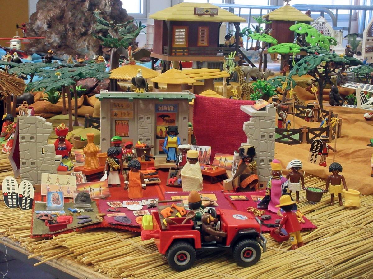 Gruissan Joue Aux Playmobils