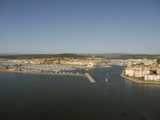 Le paysage de la bouée Odyssea face au Grazel