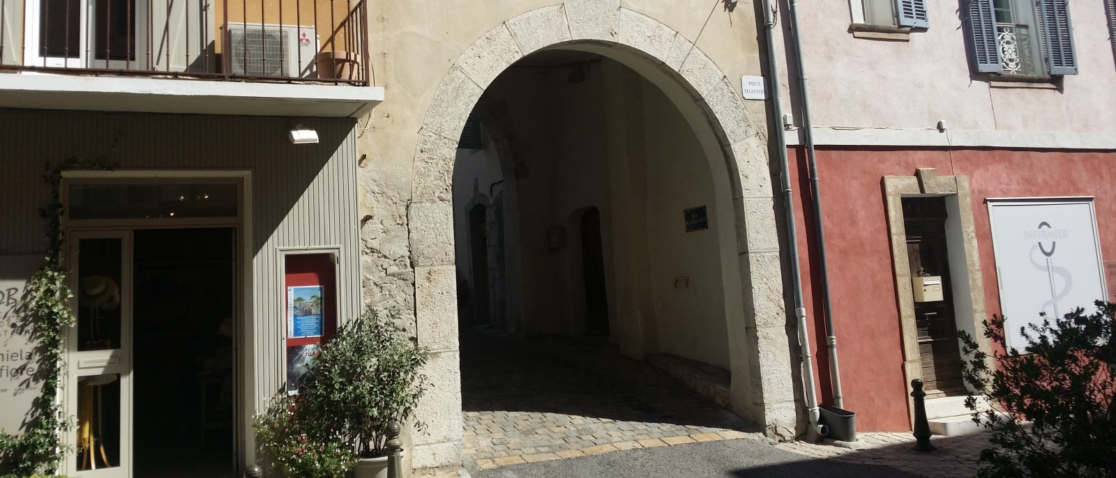 La Porte Mazarine de La Cadière
