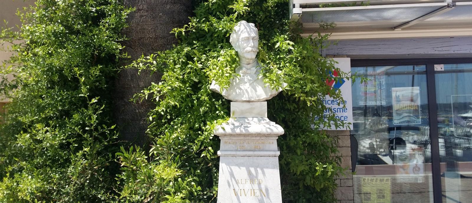 Le buste d'Alfred Vivien