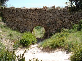 La Font de Mars et le chemin médiéval du Castellet