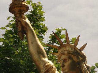 La Statue de la Liberté (Saint-Cyr-sur-mer)