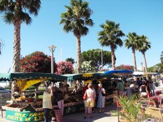 Place du marché de Bandol