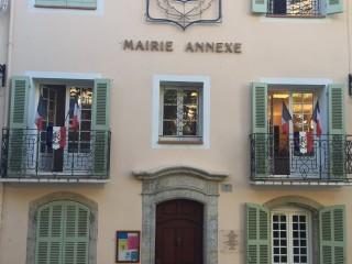 Place Jean Jaurès de La Cadière d'Azur