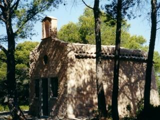 Chapelle Sainte Croix dans la forêt du Défends