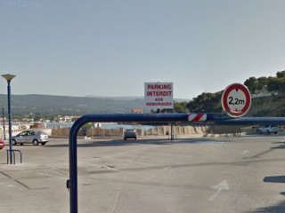 Parking de la plage de la Madrague