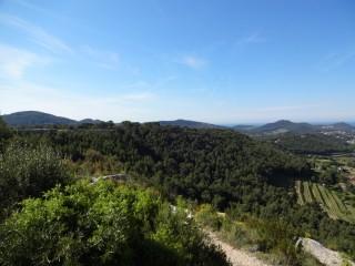 Vue panoramique et Monument de la Paix de La Cadière