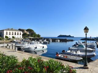 Petra Cinta** - Barcaggio - Ersa - Cap Corse